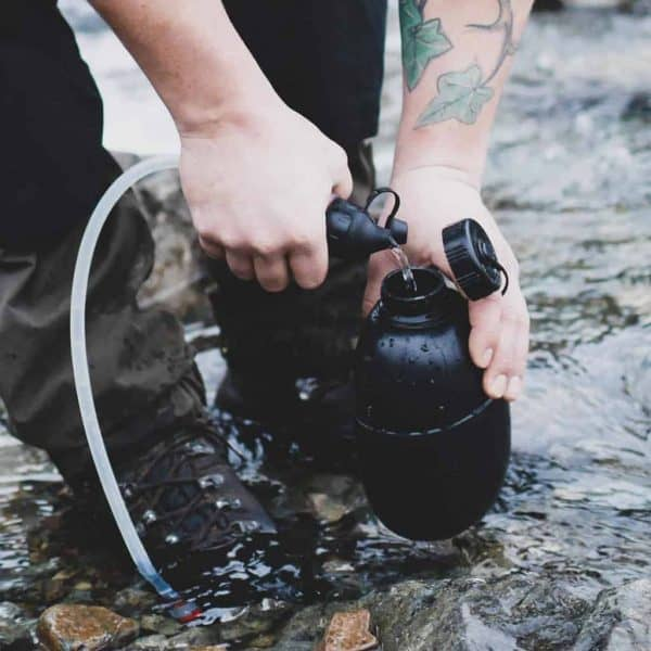 Msr trailshot™ pocket-sized water filter